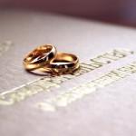 Кольца и свидетельство о браке